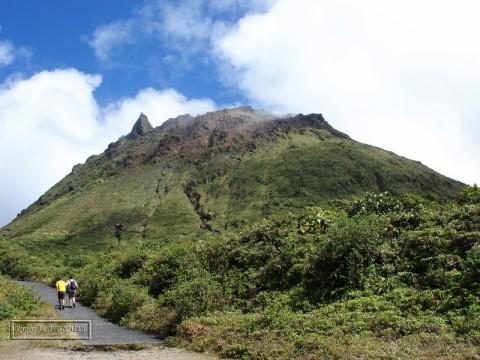 soufriere guadeloupe karukera volcano