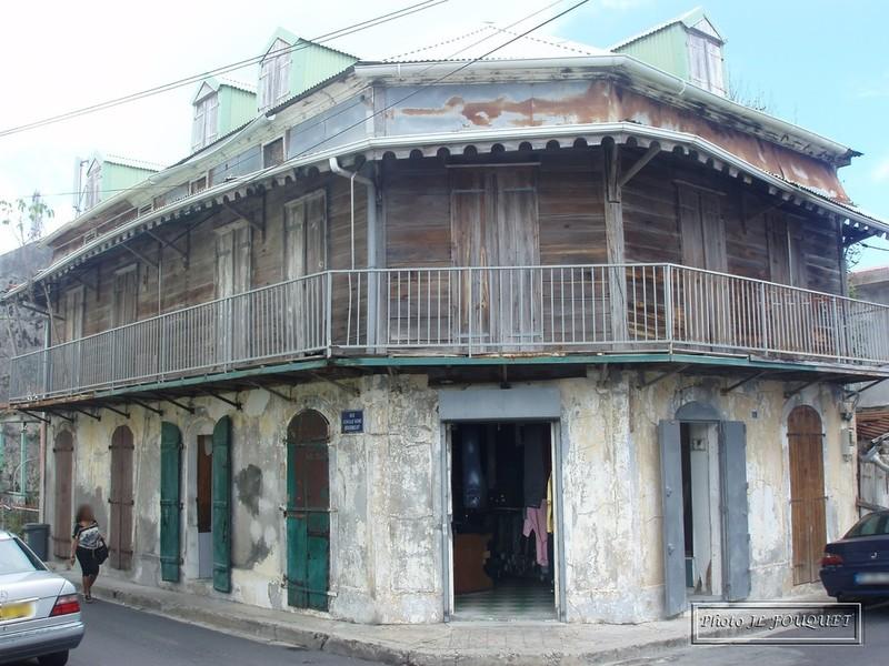 Maisons traditionnelles antillaises for Plan maison creole traditionnelle