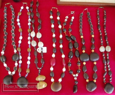 gwada graines, artisan, guadeloupe, seeds, jewels, necklace, paintings, malendure