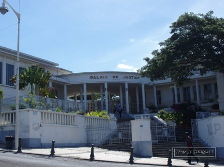 guadeloupe, basse terre, administration, palais de justice